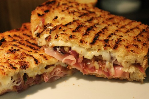 Ham, Swiss, Caramelized Red Onion and Apple Grilled Cheese Sandwich