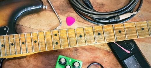 Instruments & Gear
