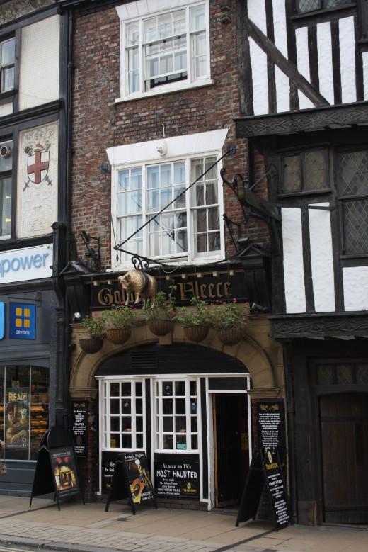 The Golden Fleece pub - Haunted Pub in York