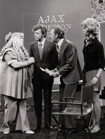 Cass Elliott and Steve Lawrence guest star in this episode of the Don Knotts Show.