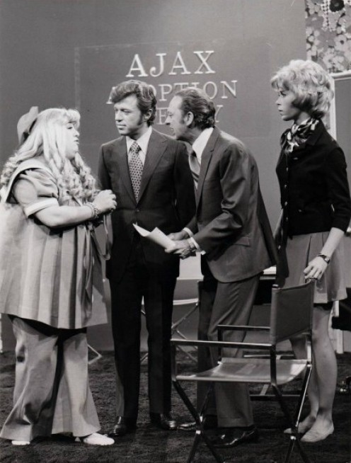 Cass Elliott and Steve Lawrence guest star in this episode of the Don Knotts Show