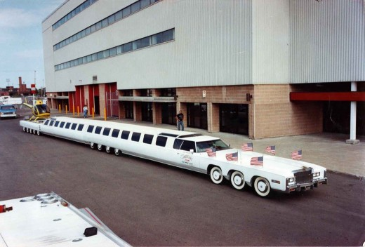 "It looks fake, but it is not: called ""American Dream"", the limo was a Jay Ohrberg project, responsible for creating several famous cars Hollywood"