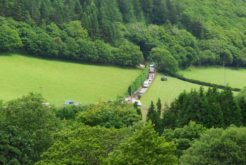 The queue down to Glyn Hafren Geraints Farm and the special test