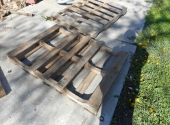 Do It Yourself  - How to Reclaim The Wood in a Pallet