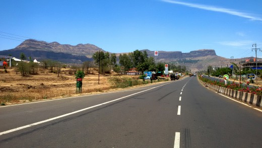 Road to Trimbakeswar from Nashik