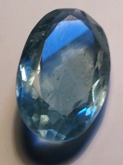 Awesome Aquamarine gemstone: feel its magic