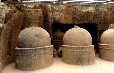 The stupa-s in the cemetry, Bhaja