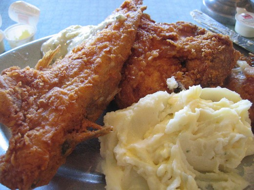Homemade Finger Lickin' Buttermilk Fried Chicken and Mashed Potatoes, let's eat!