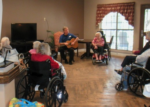 Seniors enjoy musical entertainment in the common room