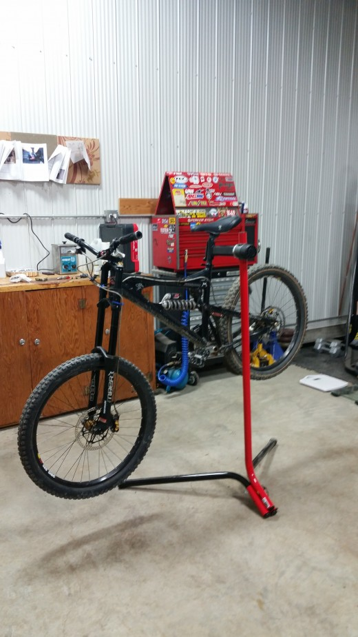 Very stable, even with a 40lbs downhill bike