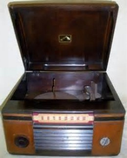same style radio with record player that we had.
