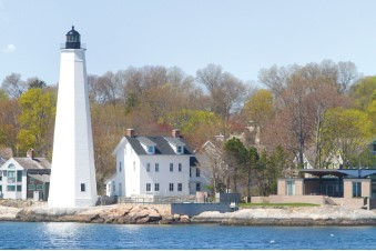 The oldest lighthouse in Connecticut, the original New London Harbor Light helped guide colonial privateers who sought shelter up the Thames River during the American Revolution.
