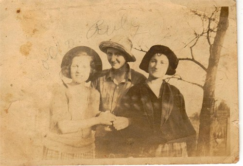 This is a photo of my grandmother Hettie, and two of her sisters.  Taken so long ago, and they have been gone for so long now.  They had so many tough things to deal with.  An empty nest was probably the least of their worries!