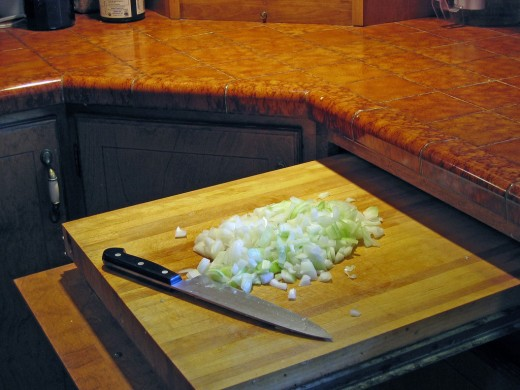 Pull-Out Chopping Board