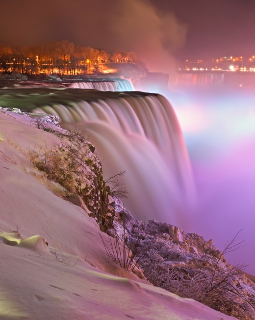 Prospect point night view of the Niagara Falls, in winter