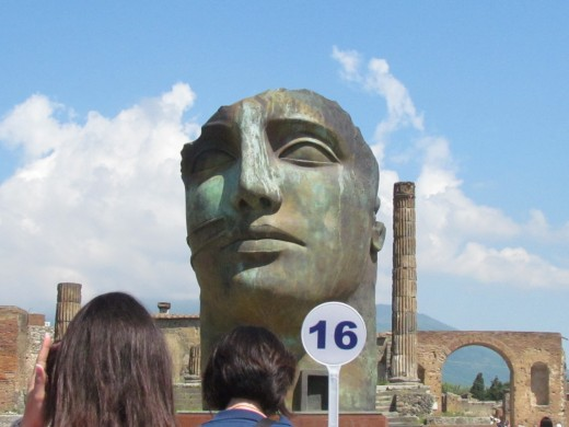 Gigantic sculptures of Roman leaders were also displayed during our Pompeii tour.