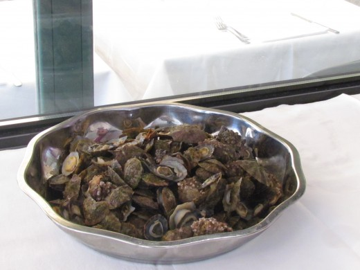 Fresh mussels and clams are also delivered daily.