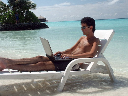 The dream of freelance work in the online world: working on a beach!