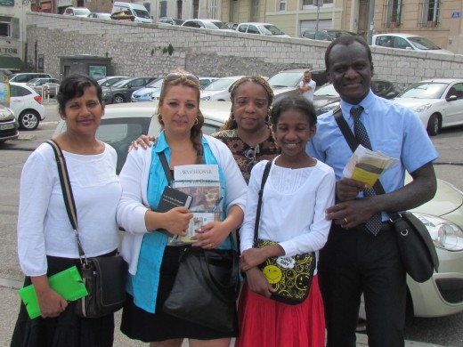 While traveling in Marseille, we saw our spiritual brothers and sisters. We got out of our vehicle and hugged along with customary kisses on each cheek. Jehovah's Witnesses, are truly a worldwide organization of all races who genuinely show love.