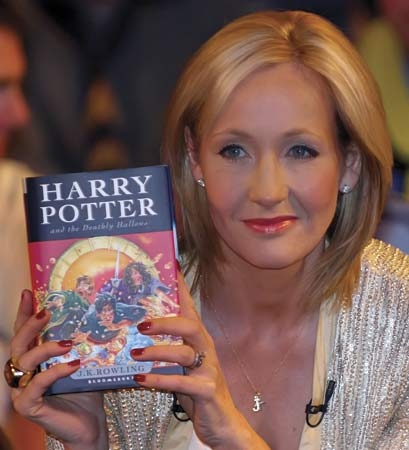 Jk Rowling with her bestselling novel, 'Harry Potter and the Deathly Hallows.'