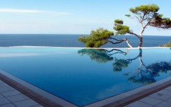 Maintaining a Swimming Pool in Summer