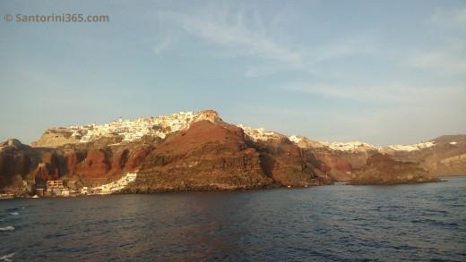 Image of the volcanic rocks of Santorini's Caldera