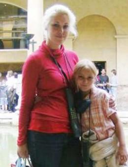 Sapphira with daughter Courteney