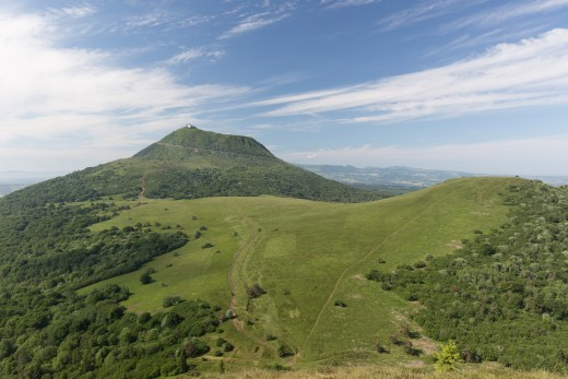 Northern slope of the puy de Dôme seen from the puy Pariou in Auvergne, France.