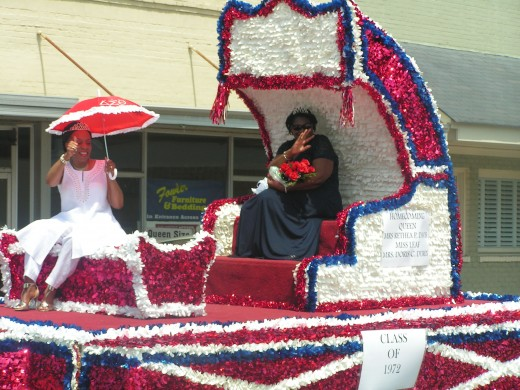 On Saturday morning, a parade was held downtown Mullins with Reatha Pee as Miss Homecoming 1972 and Doris Coleman Duren, served as Miss Leaf.