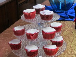 An array of delectable cupcake were also available for dessert.