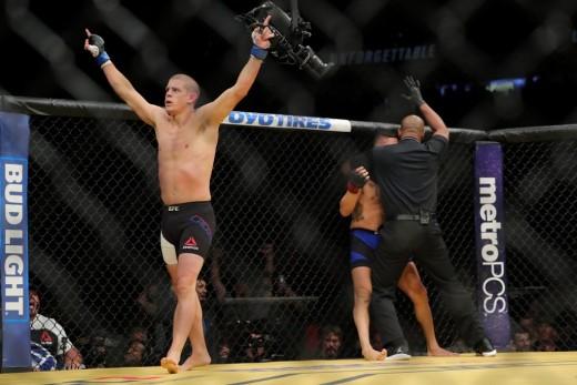 Joe Lauzon defeats Diego Sanchez via 1st round TKO in most impressive career performance.