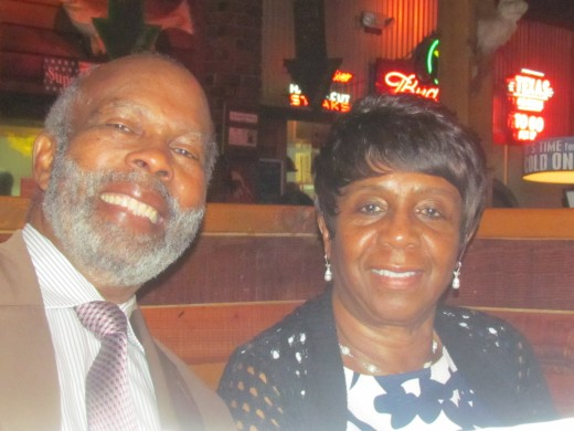 Our sister Earlene and her husband Alexander, joined us for a family dinner at Texas Road House on Sunday afternoon. This was a culmination of our weekend.