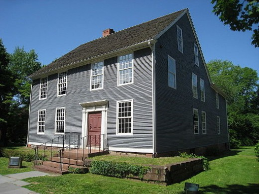 The Silas Deane House in Wethersfield, Connecticut, showing another dooryard wall.  The iron railing appears to be modern.