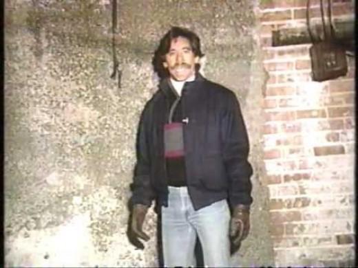 Geraldo Rivera in the basement of Al Capone's former headquarters at 2135 S. Michigan