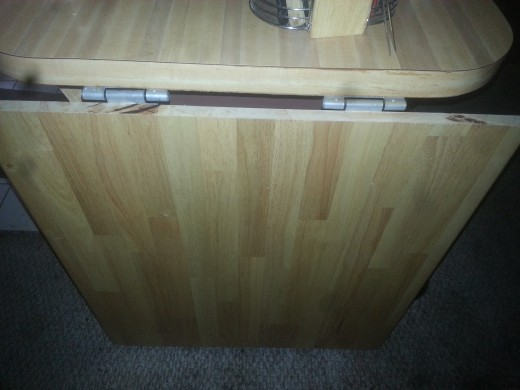 Table (counter top) folded down