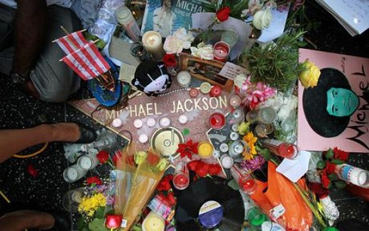 Fans Mourning for Michael