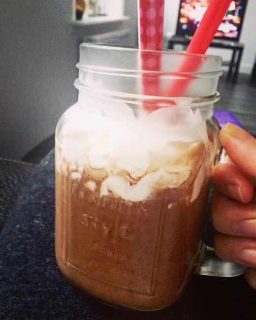 My Favorite: Vegan Chocolate Milkshake (Smoothie)