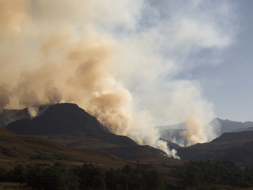 Smoke over the Southern Drakensbergs. Photo: Di Robinson