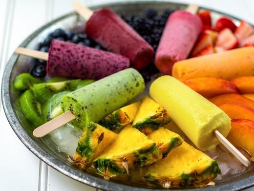 Pineapple, kiwi, peach, strawberries, blueberries & blackberries ice pops