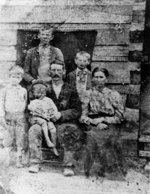 Alexander M Pace and family. Born 1861 NC. Died 1961 NC.