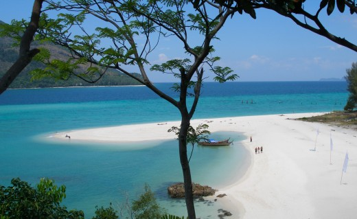 A postcard perfect shot of the tip of Sunrise Beach on Koh Lipe Island