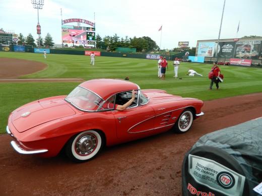 Ooooh I like that car!