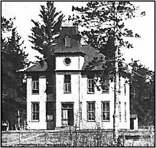 I literally did not know this.  I went to 1st through 4th at Cohasset, whether it was still this building, I don't know.  Cohasset is 5 miles west of Grand Rapids.