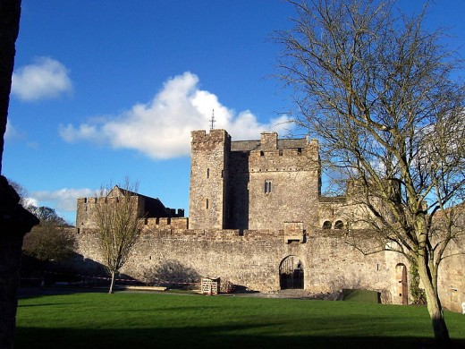 Cahir Castle By Kevin Lawver CC BY-SA 2.0