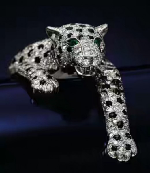 Wallis Simpson's panther bracelet on display