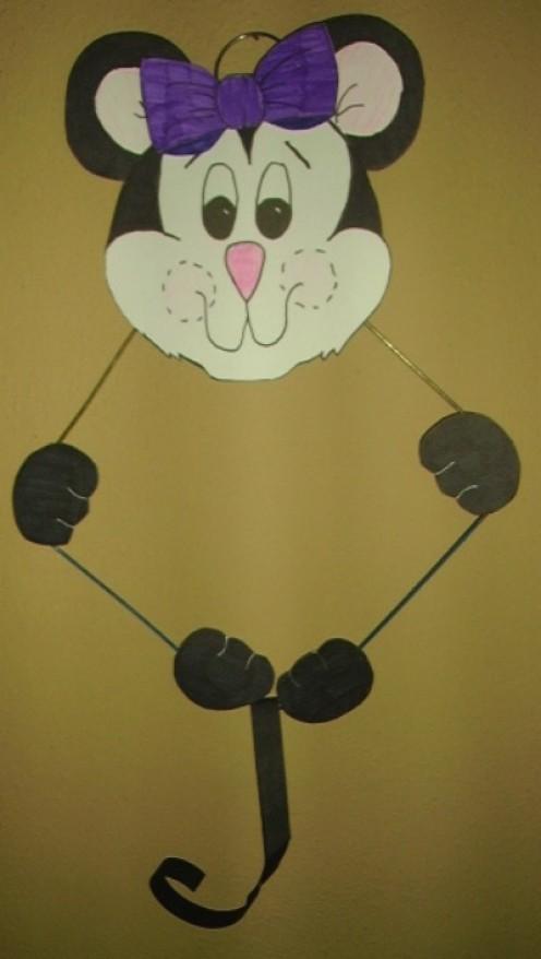 49 Super Wire-Hanger Crafts