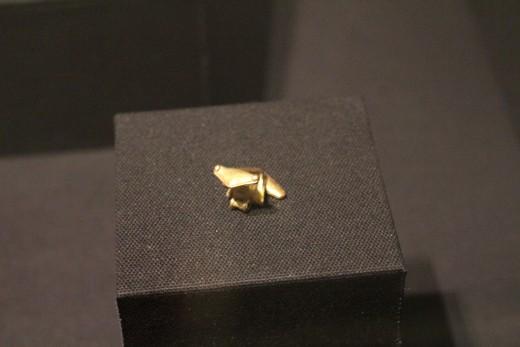 """Frog Effigy Pendant"" of Zenu (Sinu-Darien) 900-1550 AD). Made of gold alloy. That's ZENU not ZUMA."