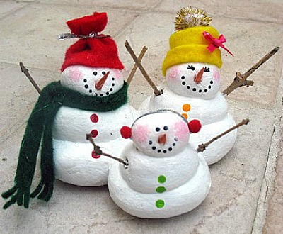 Make This Cute Snowman Family To Include In Your Winter Holiday Decorations You May Even Want Some Of These Give As Gifts