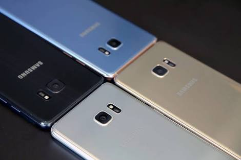 The Note 7 comes with 4 different colors: Black, Blue Coral, Silver, and Gold.