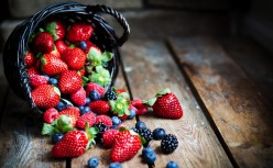 9 Superfoods For Anti-Ageing And Glowing Skin